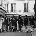 Tailleurs oversize et bottes en moumoutes, Chanel nous renvoie aux folles nuits chez Castel