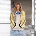 Louis Vuitton clôture en beauté la Fashion Week avec une odyssée ultrastylée