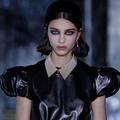 Sept tendances bijoux à retenir de la Fashion Week automne-hiver 2021-2022