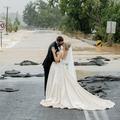 La folle histoire du mariage que les inondations australiennes n'ont pas pu empêcher