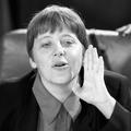 """Marion Van Renterghem : """"À 16 ans, Angela Merkel faisait partie du club des filles non-embrassées"""""""