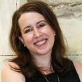 """""""Ma vie a complètement changé"""" : le fabuleux destin de Julia Quinn, l'auteure de """"La Chronique des Bridgerton"""""""