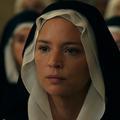 """La bande-annonce sulfureuse de """"Benedetta"""" avec Virginie Efira : le film qui va mettre le feu à la Croisette"""