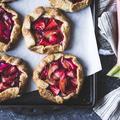 Nos plus belles recettes de desserts à la rhubarbe