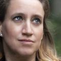 """""""Tout le monde savait"""", le récit terrifiant de Valérie Bacot, battue, violée et prostituée par son mari"""