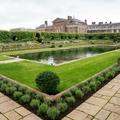 En photos, visite guidée des jardins de Kensington Palace où est installée la statue de Lady Diana