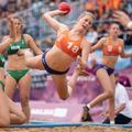 Bikinigate : la chanteuse Pink propose de payer l'amende infligée à l'équipe norvégienne de beach handball