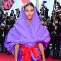 La divine apparition de Tina Kunakey, grande pythie sur le tapis rouge de Cannes