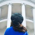 """""""American Crime Story: Impeachment"""" : les premières images de la série qui revient sur l'affaire Monica Lewinsky"""