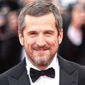 En vidéo, Guillaume Canet, hilare, rase sa moustache d'Astérix et clôture son tournage