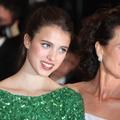 """Andie MacDowell et sa fille Margaret Qualley réunies à l'écran pour la première fois dans la série """"Maid"""""""