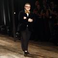 Alber Elbaz, le couturier qui manque à la mode, célébré pendant la Fashion Week de Paris