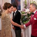 """Quand 007 rencontre la duchesse en or : les photos de la folle avant-première de """"James Bond"""" à Londres"""