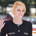 Kristen Stewart délaisse le blond de Lady Diana au profit du roux