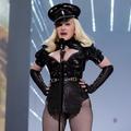 Les fesses bombées de Madonna aux VMA n'en finissent plus d'hypnotiser Twitter