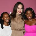 Cette photo d'Angelina Jolie, sa fille Zahara et la poétesse Amanda Gorman célébrant la puissance des femmes