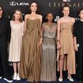 """Angelina Jolie en majesté avec ses 5 enfants à l'avant-première de """"Eternals"""""""