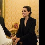 Angelina Jolie rencontre (brièvement) le pape