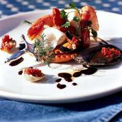 Tielles au homard, encornets, moules et crevettes royales