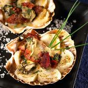 Gratin d'huîtres et Saint-Jacques au magret fumé
