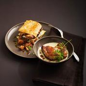 Filets de pigeon rôti, jus de persil plat