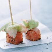 Sucettes de saumon frais au gingembre mariné et concombre