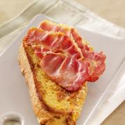 Pain perdu au miel et bacon grillé