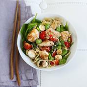 Bo bun de poulet aux légumes croquants