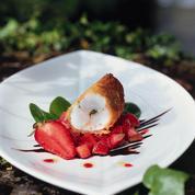 Kadaïf de langoustines, tartare de fraises