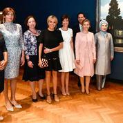 Les premiers pas officiels de Brigitte Macron en tant que première dame