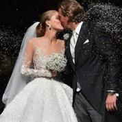 Traîne spectaculaire, feux d'artifice et sandales Jimmy Choo... Le mariage de rêve de Victoria Swarovski