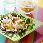 Salade de crevettes marinées et légumes croquants