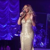 Mariah Carey chante