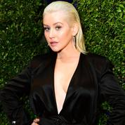 Christina Aguilera pose sans maquillage pour son grand retour