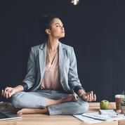 Cinq exercices de sophrologie pour mieux gérer ses tensions au bureau