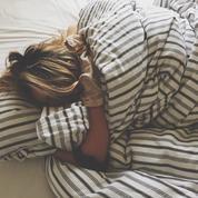 Pourquoi dort-on moins bien quand on n'est pas chez soi ?