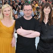 Retour sur… la gêne de Charlotte Gainsbourg et Kirsten Dunst aux côtés de Lars Von Trier à Cannes