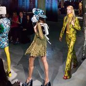 New York et les nineties à l'honneur du défilé Prada Croisière 2019