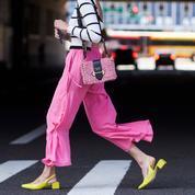 À pinces ou flare : sélection de pantalons pour le printemps