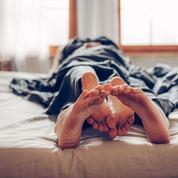 Massages, yoga hormonal, podcasts… les astuces pour doper son plaisir
