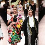 Carla, Monica, Eva, Isabella... Les femmes en A défilent pour Dolce&Gabbana