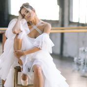 Rime Arodaky a bien l'intention de nous faire danser avec les robes de mariée de sa collection 2019