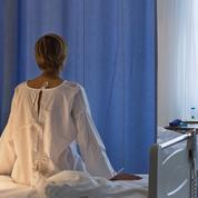 Ligotées, opérées sans anesthésie... les femmes des Balkans dénoncent la violence des médecins