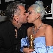 La photo de Lady Gaga au lit, avec son Golden Globe et un bol de céréales