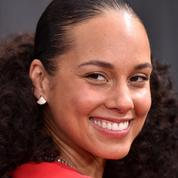 Alicia Keys rayonnante sans maquillage lors des Grammy Awards