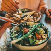 Ce qui se passe dans votre corps quand vous mangez trop vite
