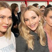 Jennifer Lawrence, Catherine Deneuve, Charlotte Gainsbourg... Les stars aux premiers rangs des défilés parisiens