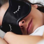Masques de sommeil, boules Quies : ces accessoires pour mieux dormir