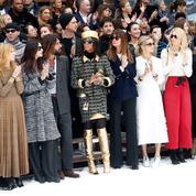 Carla Bruni, Ines de la Fressange, Lily-Rose Depp... Les stars émues rendent un hommage à Karl Lagerfeld sur Instagram