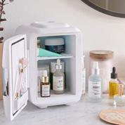 Faut-il stocker ses produits de beauté au réfrigérateur ?